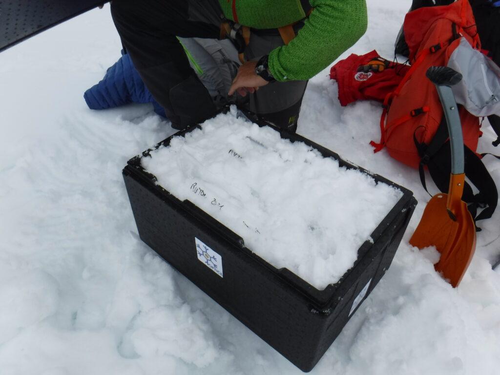 Snow drilling on the Rutor Glacier